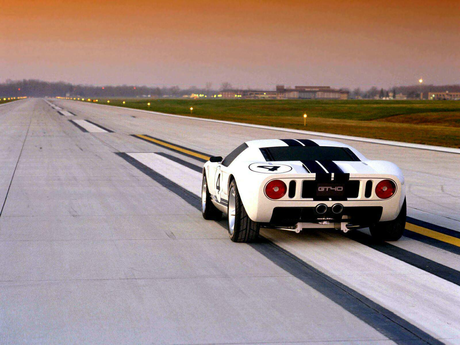 The-Ford-GT-40-Cover